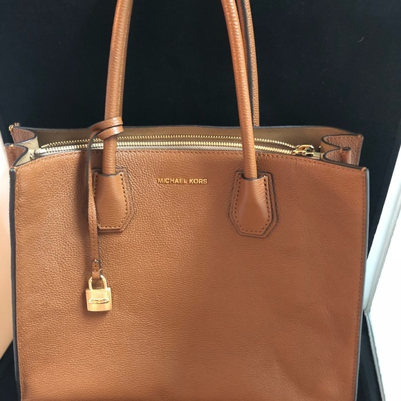 534b7776901b MICHAEL Michael Kors Bags | Mercer Leather Acorn Handbag | Poshmark